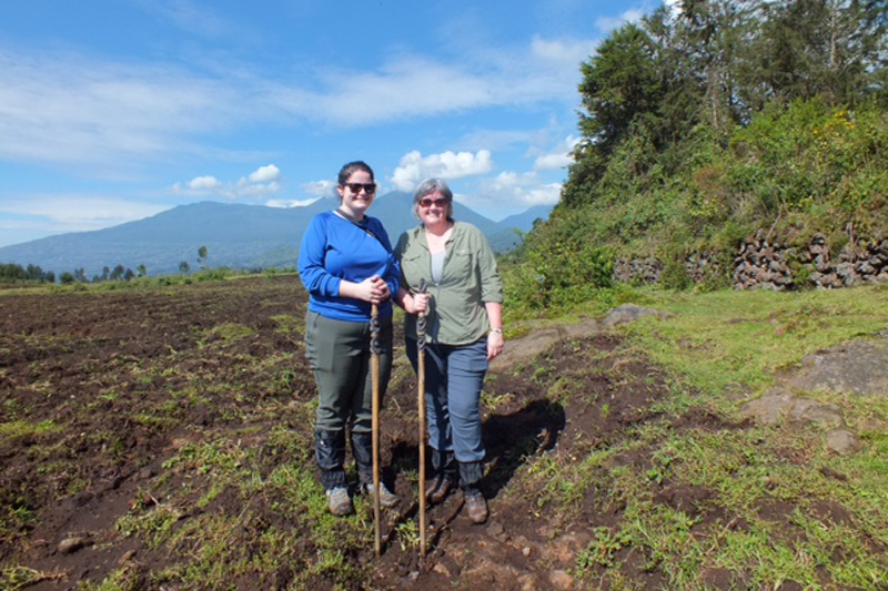 a-guide-to-gorilla-tracking-in-uganda-and-rwanda-mary-and-frances