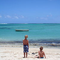 Rob-Boys-on-beach-202