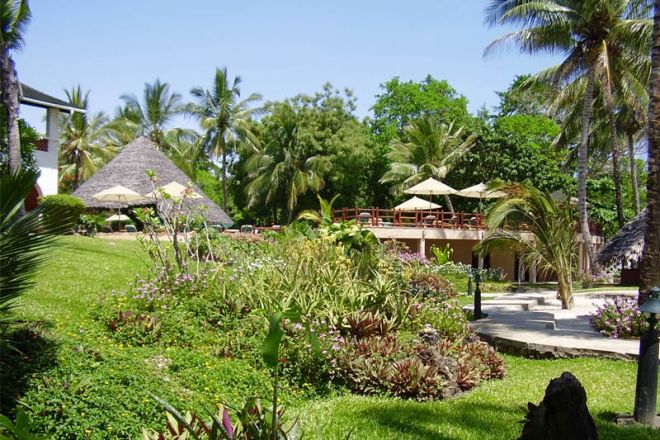 Pinewood Beach Resort & Spa Grounds