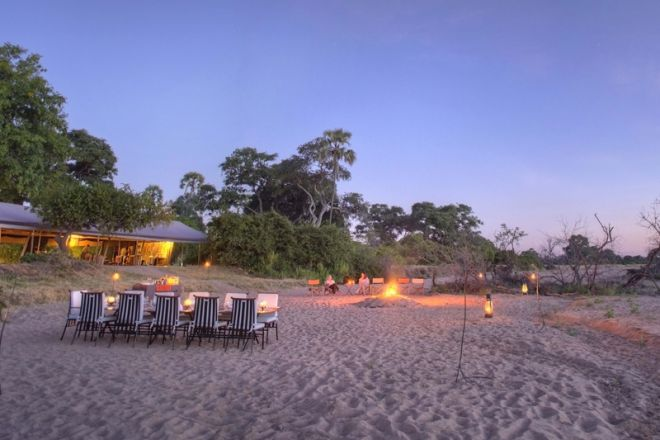 Kwihala Tented Camp sundowners and dinner