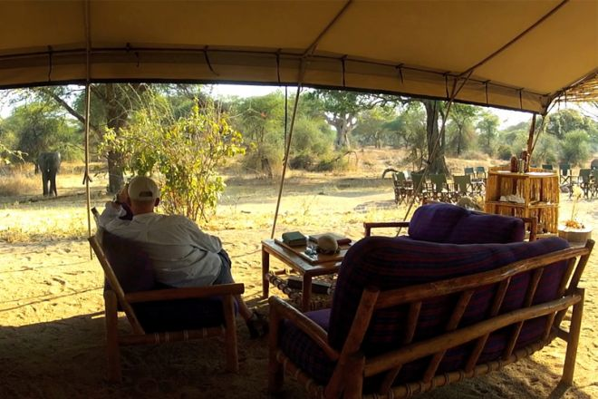 Mdonya Old River Camp lounge view