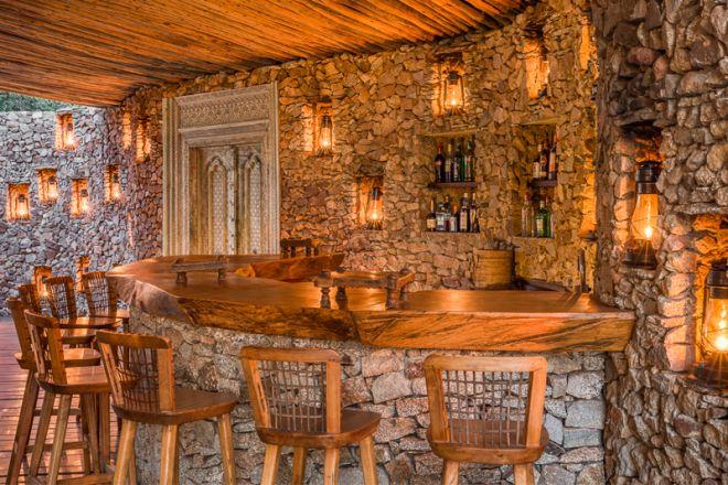 Mwiba Lodge bar