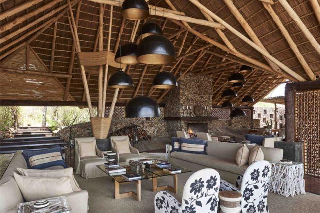 Mwiba Lodge lounge