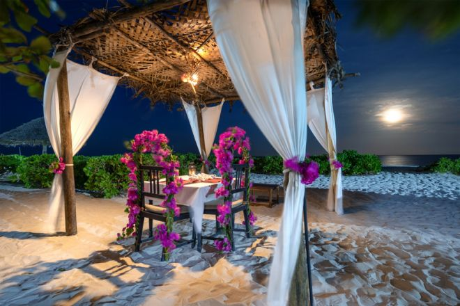 Next Paradise Boutique Resort beach dining