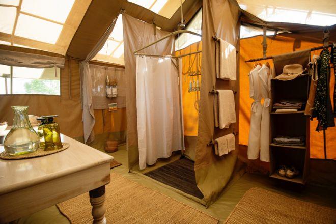 Serengeti Safari Camp bathroom