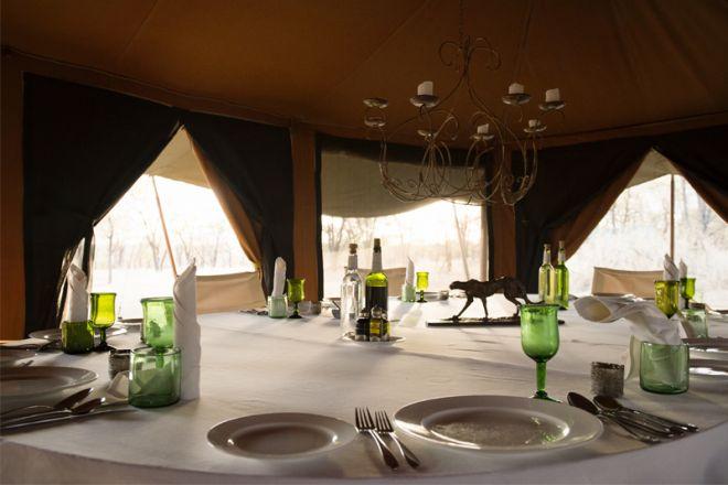 Serian Serengeti Kusini Lamai Camps dining