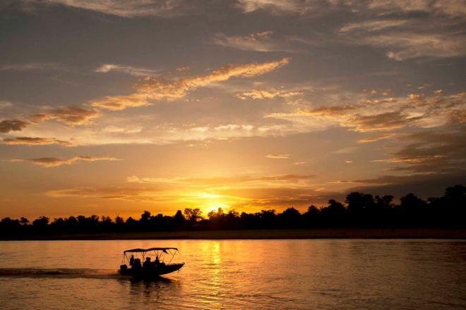 Time + Tide Chinzombo Boat Cruise Sunset