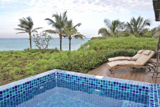 Zawadi Hotel villa pool deck