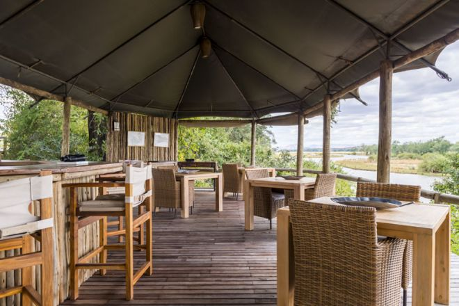 Amanzi Camp Bar Dining