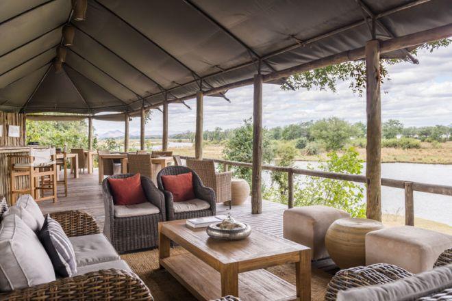 Amanzi Camp Lounge