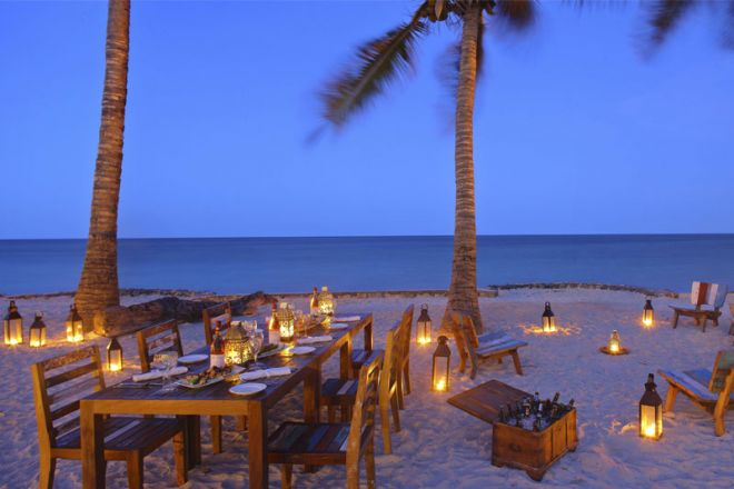 Bluebay Beach Resort & Spa beach dinner
