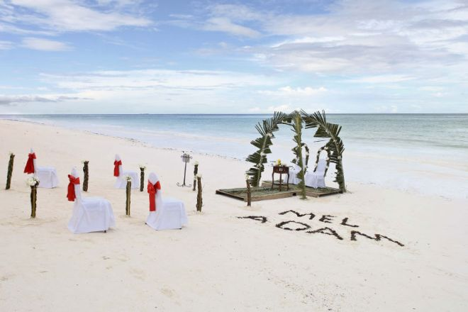 Bluebay Beach Resort & Spa beach wedding