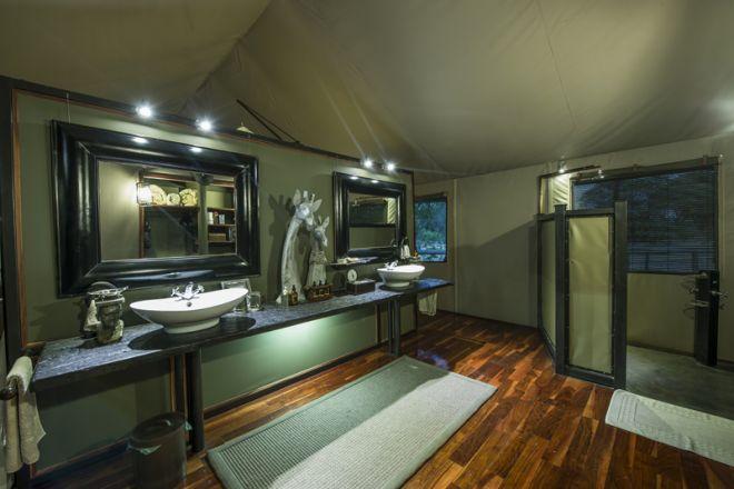 Chitabe Camp Bathroom