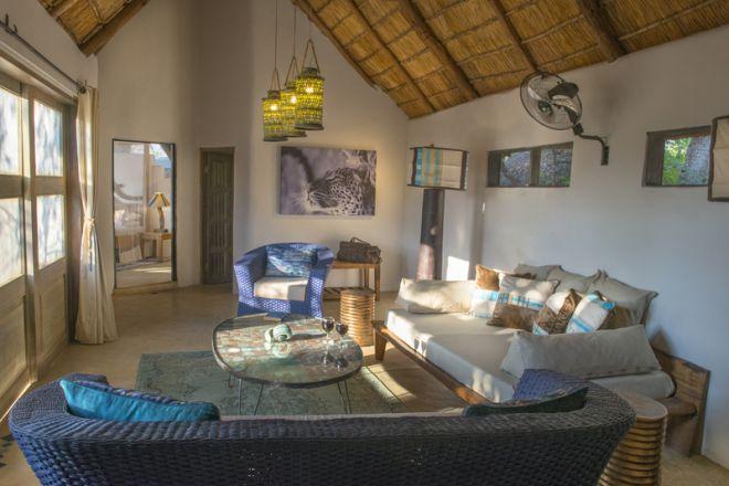 Kaingo Camp Deluxe Suite Lounge