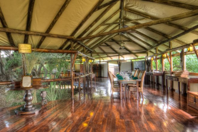 Kanana Camp Dining