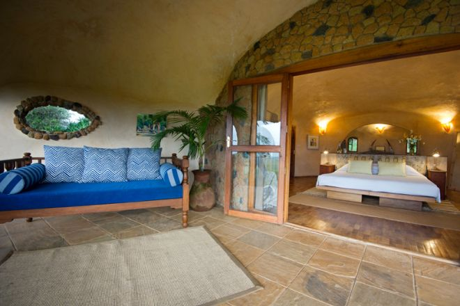lewa-house-bedroom-and-verandah