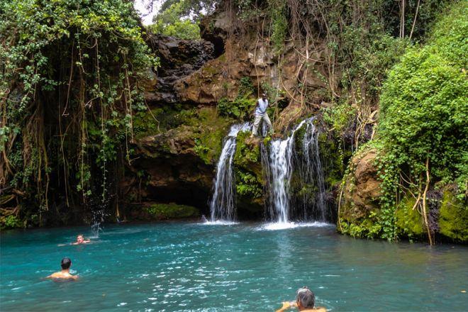 lewa-house-waterfall-swim-c-lh