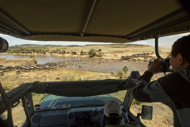 Mara Plains Camp Game Drive Crossing