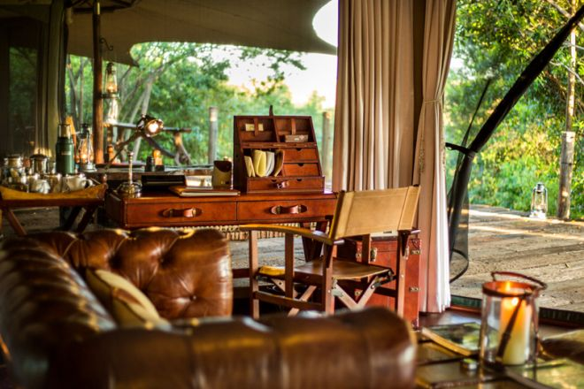 Mara Plains Camp Room Desk
