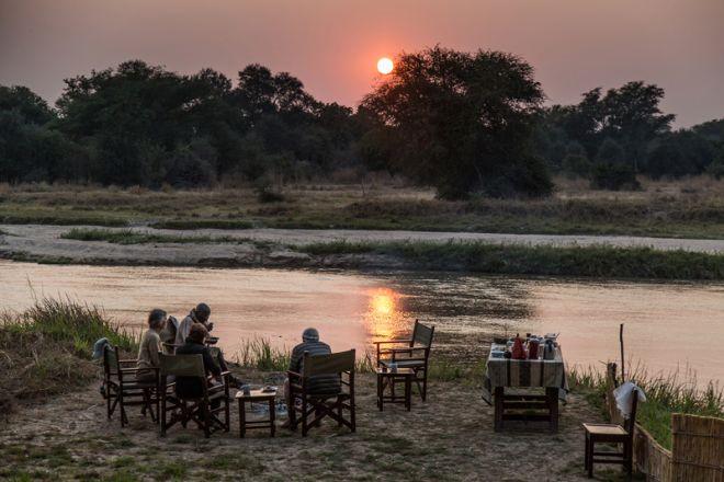 Mwaleshi Camp Sundowners