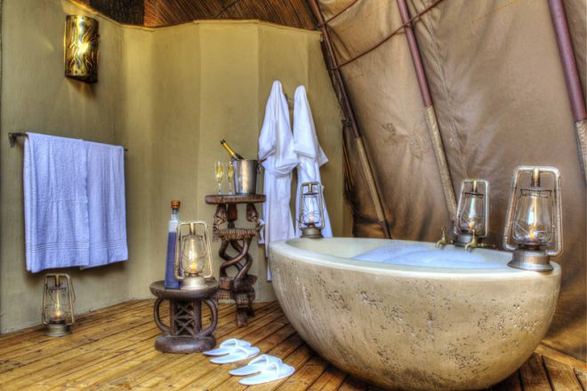 Okuti Camp Honeymoon Bath