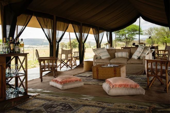 Serengeti Safari Camp lounge and bar